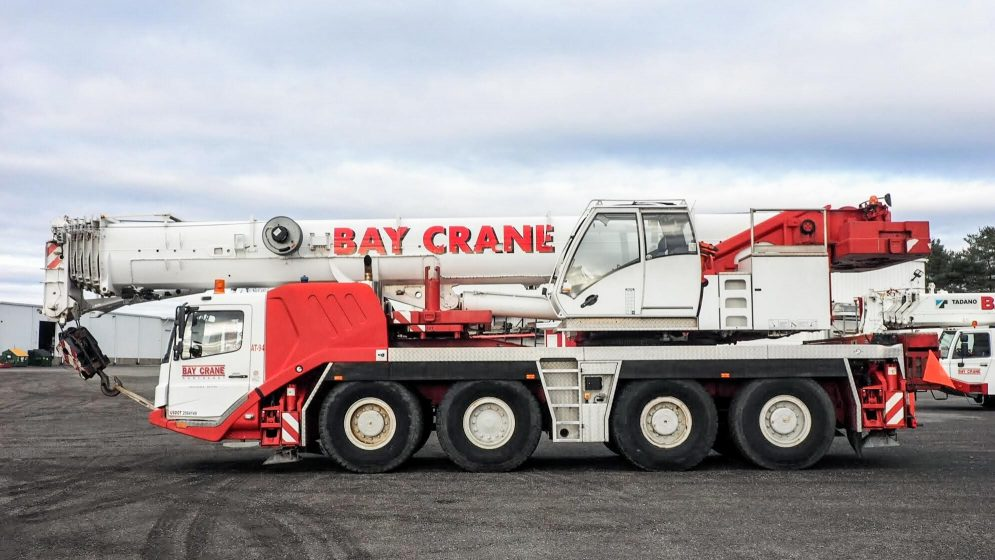 GMK 4115 all terrain crane with a hydraulic expandable