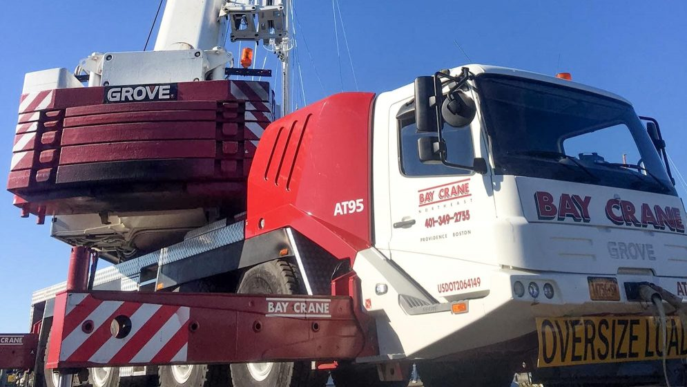 GMK 411L all terrain crane with a hydraulic expandable