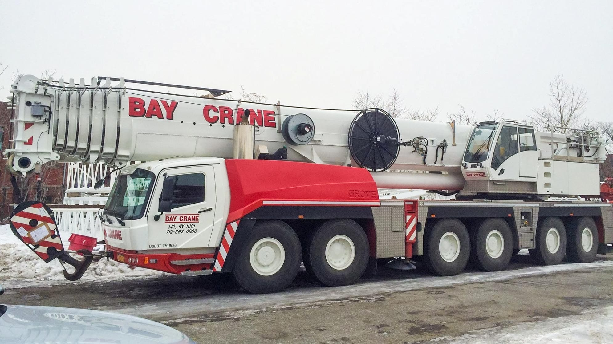 GMK 6350 all terrain crane with a hydraulic expandable