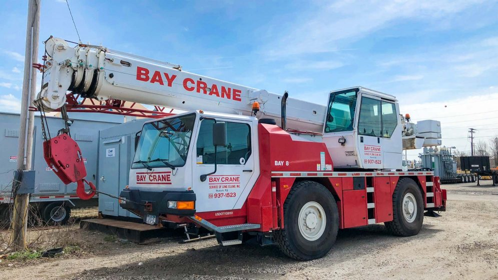LTM 1030 crane with a hydraulic expandable