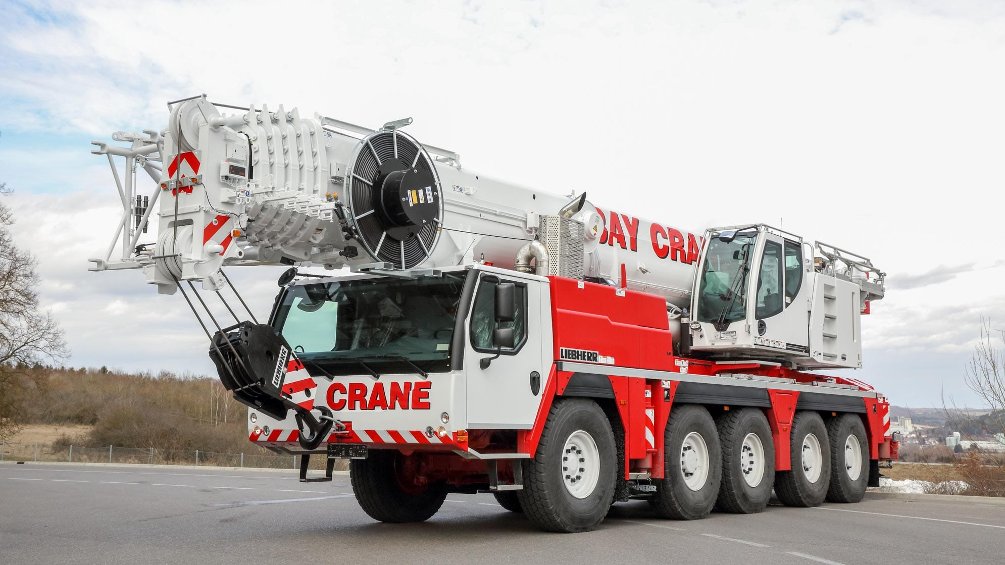 LTM 1130 all terrain crane with a hydraulic expandable