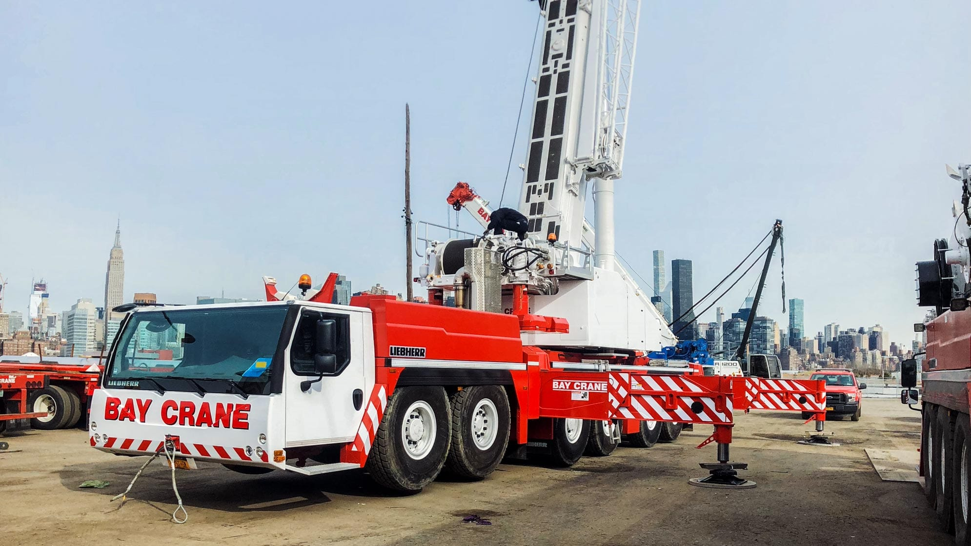 LTM 1300.6/2 all terrain crane with a hydraulic expandable