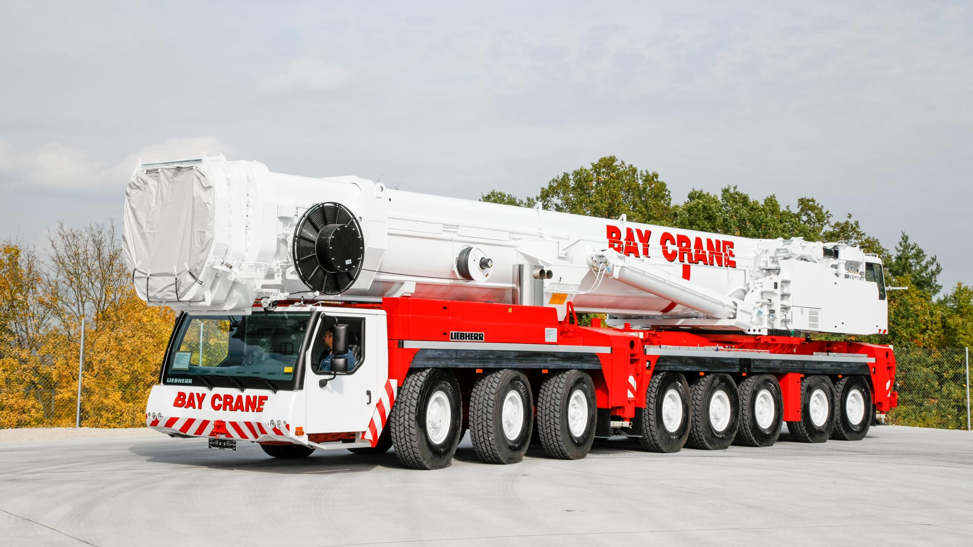 LTM 1500 all terrain crane with a hydraulic expandable
