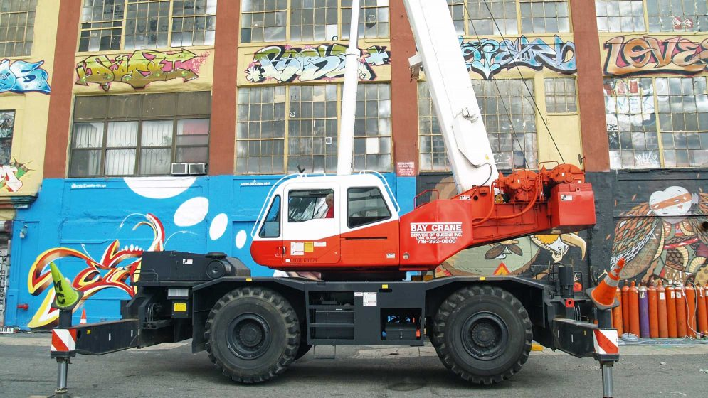 TR 450 rough terrain crane with a hydraulic expandable